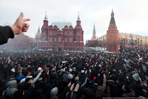 Антирусский запад Украины для пропаганды нужно снимать в Люберцах. И свастик больше, и в рыло там русскому человеку схлопотать легче, - Шендерович - Цензор.НЕТ 8078
