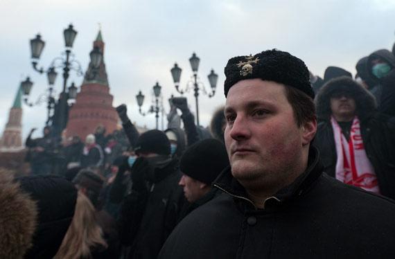 Антирусский запад Украины для пропаганды нужно снимать в Люберцах. И свастик больше, и в рыло там русскому человеку схлопотать легче, - Шендерович - Цензор.НЕТ 7652