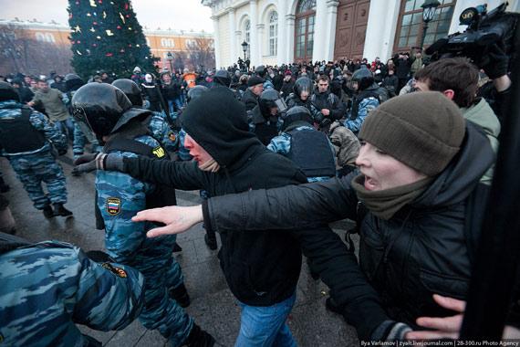 Антирусский запад Украины для пропаганды нужно снимать в Люберцах. И свастик больше, и в рыло там русскому человеку схлопотать легче, - Шендерович - Цензор.НЕТ 5108