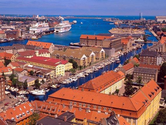 Таким Копенгаген видят морские чайки и удачливые фотографы.